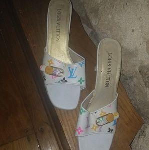 L V Heels